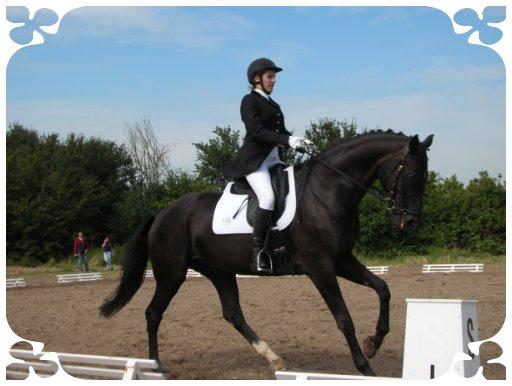 """Kathrin Bönsel mit ihrem Pferd """"Davina"""" belegte den 2. Platz"""